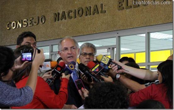 """Antonio Ledezma: """"Factores Democráticos no permitirán destrucción de Gobernaciones y Alcaldías"""" - http://www.leanoticias.com/2012/11/07/antonio-ledezma-factores-democraticos-no-permitiran-destruccion-de-gobernaciones-y-alcaldias/"""