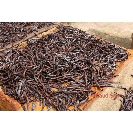 15 gousses de vanille bourbon de Madagascar, directement de la plantation dans sa qualité gourmet ou extra. Dans un flacon de 15 gousses. #gousses #goussesdevanille #madagascar #gourmet #extra #directement #plantation http://www.lecomptoirdetoamasina.fr/achat-gousse-de-vanille-de-madagascar-pas-chere-grande-qualite-vente-en-ligne/17-20-gousses-de-vanille-bourbon-de-madagascar-qualite-gourmet-16-a-20cm-pas-chere-achat.html