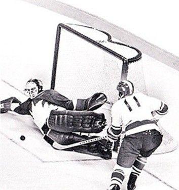 Yevgeny Zimin & Ken Dryden 1972