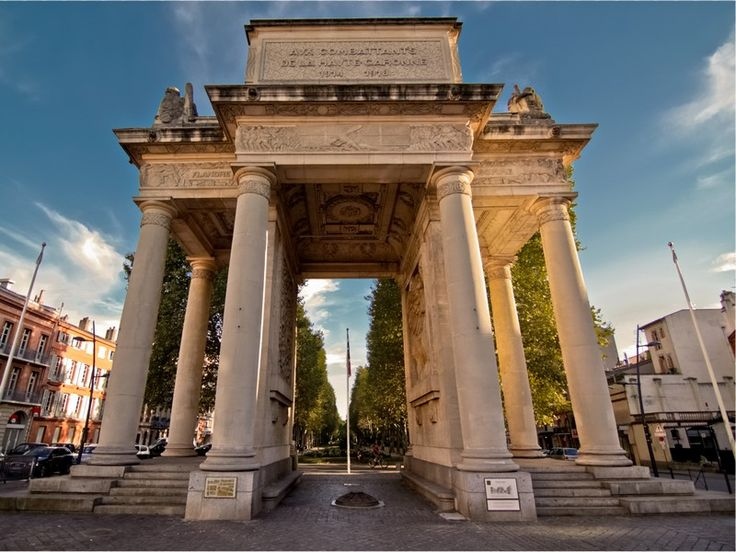 Toulouse France Monument aux Morts ❤ ℒℴvℯly