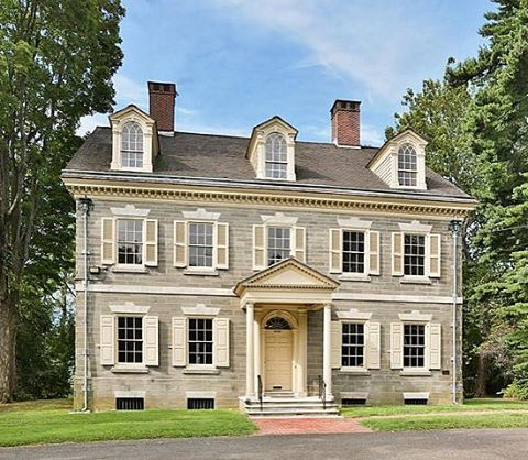 UM. SO. The National Trust is looking to unload Upsala—a fantastic Federal house in Philly—it's just as gorgeous inside and it's being offered at a HUGELY discounted price of $499k! I think I need to buy it and move to Philly immediately??