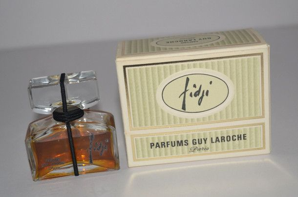 Guy Laroche Fidji Perfume contains ambergris.  Click to see notes