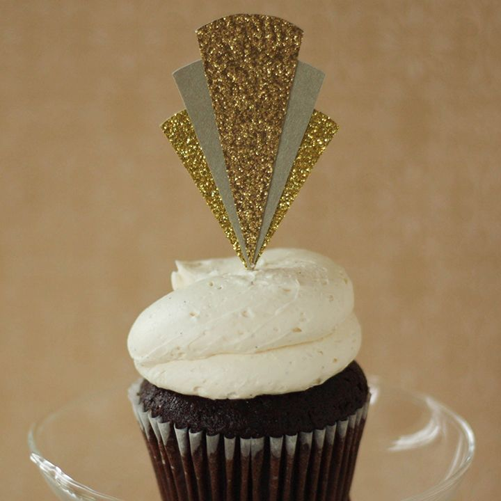 A friend of mine recently had a little Roaring 20s Soiree that I helped fancy up for her. Inspired by Great Gatsby, Art Deco, and peacocks, we have this lovely cupcake topper that was a part of the...