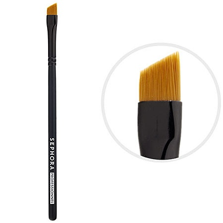 #PROtip: Make cat eyes effortless. Apply liner liberally on the outer corner, then wing the end with this angled brush. SEPHORA COLLECTION Classic Angled Liner/Eyeliner Brush #15 #Sephora