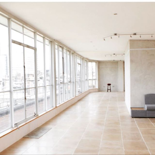 Airy blank canvas The Menier Penthouse has stunning views out over London's famous skyline and sits a stones throw from borough market 📸