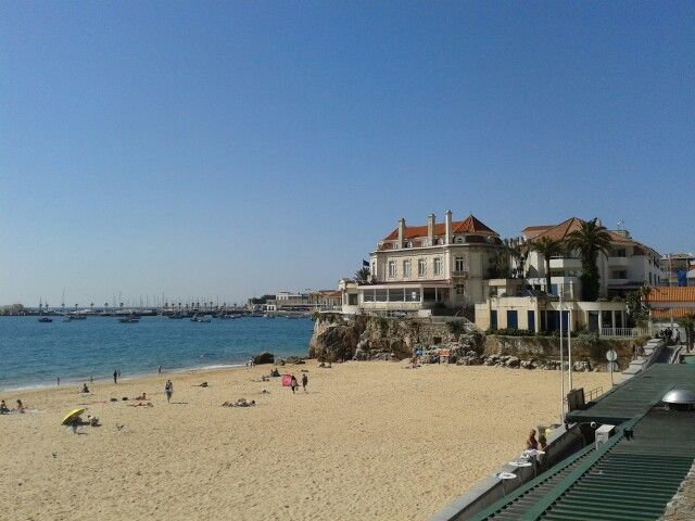 Rainha beach at Cascais