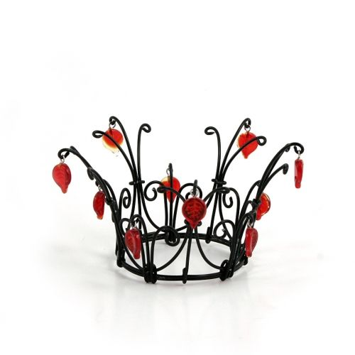 Black and red for a dramatic crown from Kronbruden. English site www.thecrownbride.com.