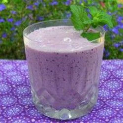 Very Berry Blueberry Smoothie - 1 banana, 1 kiwi, 3/4 cup blueberries ...