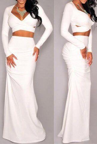 Εντυπωσιακό σετ φούστα maxi άσπρη με sexy τοπ μπλούζα κατάλληλο για βραδυνές εμφανίσεις. Διάθεση σε μαύρο και λευκό χρώμα.