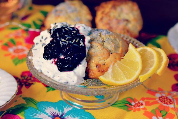 Beautylab.nl: Citroenscones met lavendelroom
