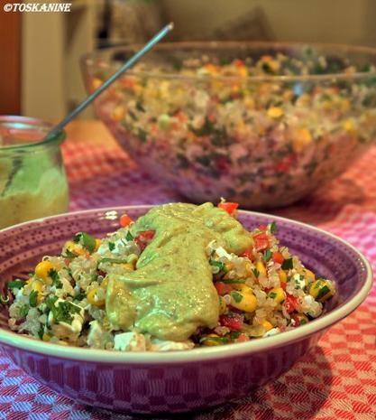 Rezept: Quinoa-Koriander Salat mit Ziegenkäse und Avocado-Dressing Bild Nr. 14