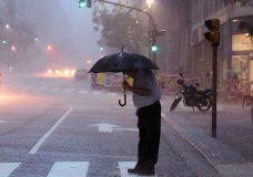 Fuertes lluvias en Capital Federal, el Conurbano y La Plata. Mirá cómo estará el clima hoy www.minutouno.com/c292738