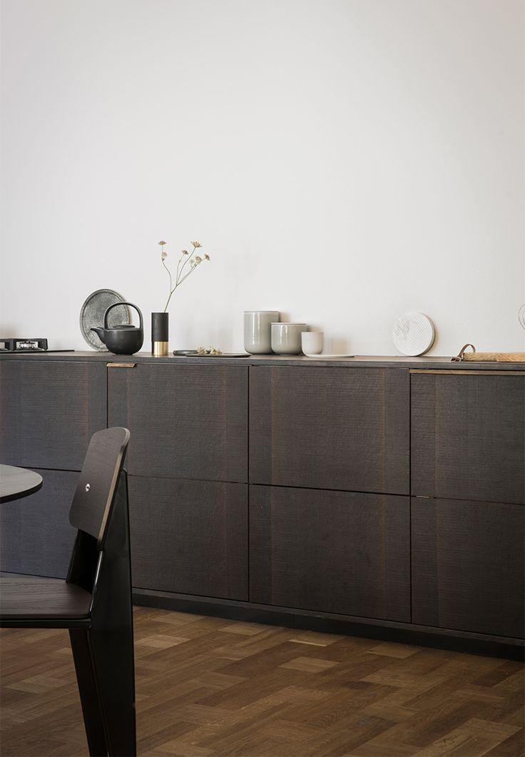 TK interior design inspiration. IKEA cabinets get a dark, sleek update by Reform (A Merry Mishap)