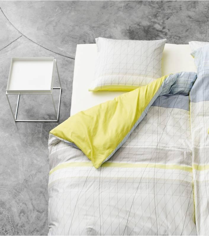 Parure de lit Hay  http://www.lamaisondannag.com/fr/plaids-et-linge-de-lit/100-parure-de-lit-colour-block-jaune-1-pers.html