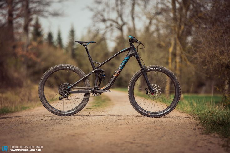 Canyon Strive CF 7.0 Race Review | ENDURO Mountainbike Magazine