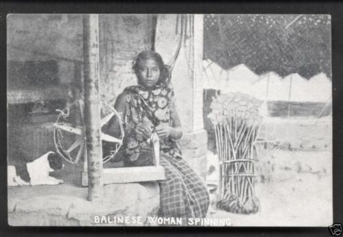 Bali-native-Woman-BEAUTY-spinning-Indonesia-ca-1910