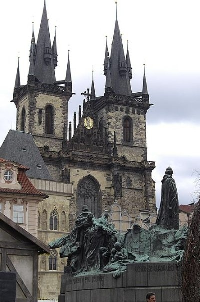 Old Town Square, Prague. i want to go there so badly to witness this kind of beauty with my own eyes.