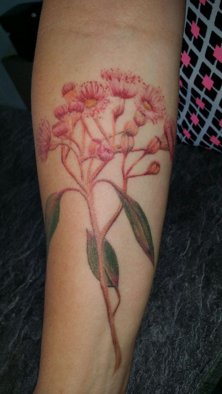 #Australianativeflower #RobynGoller #tattoos #whitsundaytattoo #womenstattoodesigns #oldshopnotthenew #customnotcommon #Tattsgirlie #gumtreeflower