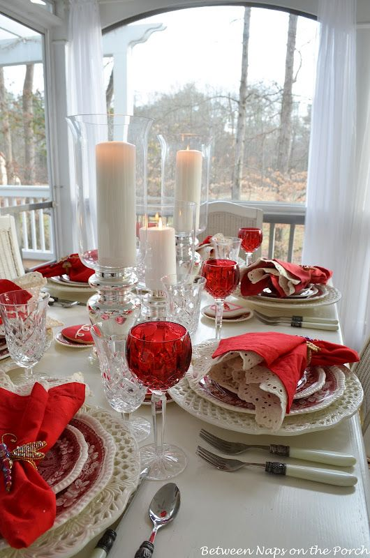 Red and white tablescape. This would be so simple and lovely for Christmas or Valentine's Day Dinner.