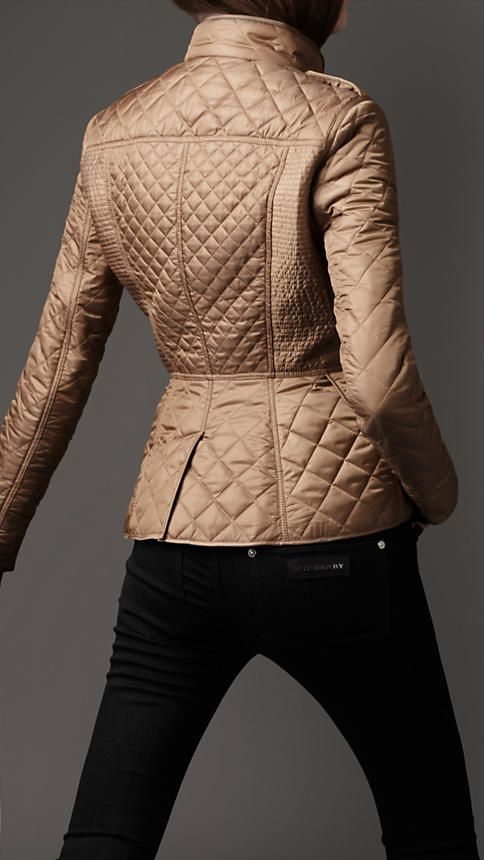 Burberry - CINCHED WAIST QUILTED JACKET