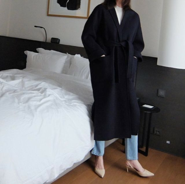 Black coat, white t-shirt, blue jeans & beige kitten-heel sling-backs | @styleminimalism