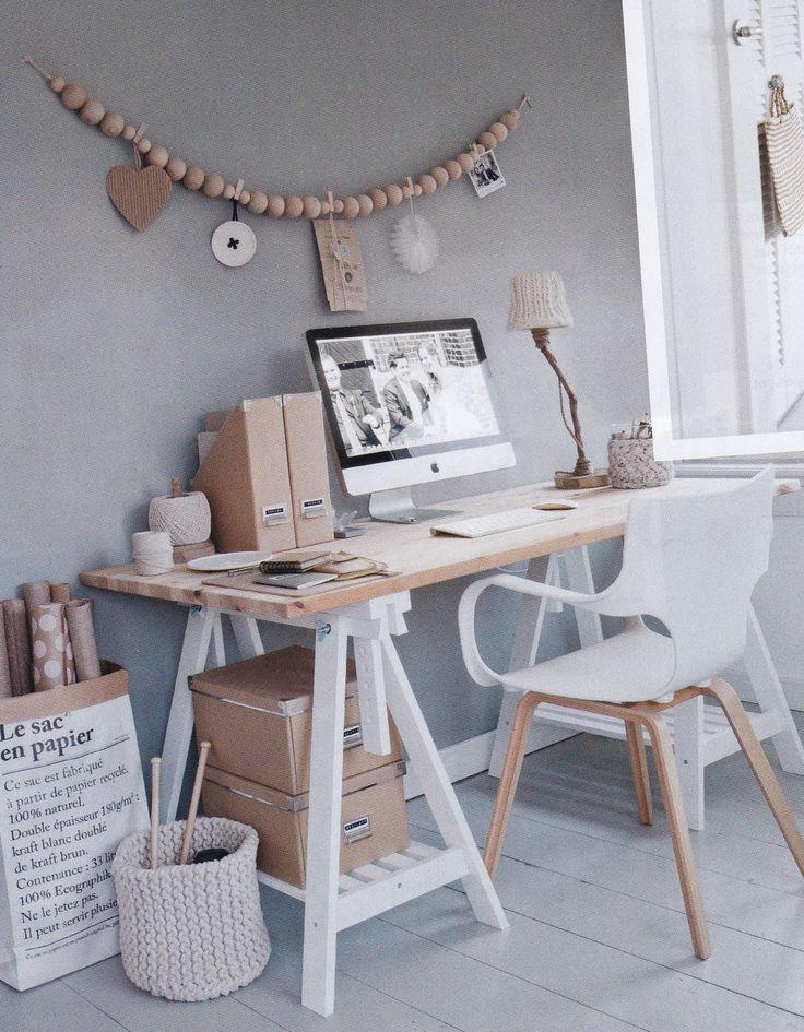 Juegos de gris, blanco y madera puro