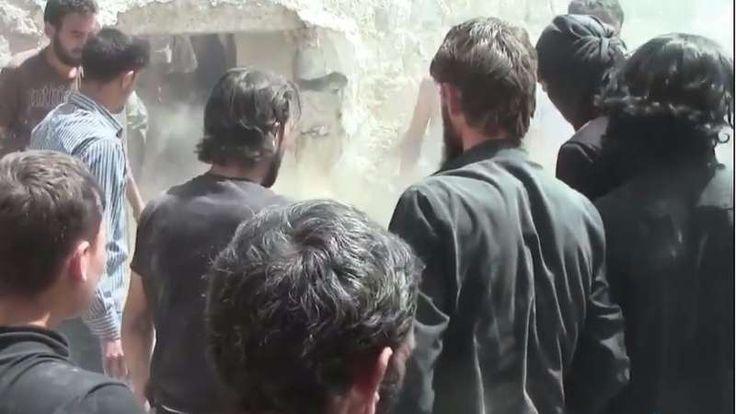 Serangan terhadap Warga Sipil di Homs Pesawat Tempur Militer Asad Bunuh Tiga Anak  HOMS (SALAM-ONLINE): Pesawat tempur militer rezim Basyar Asad pada Sabtu (18/6) melancarkan serangan terhadap warga sipil di wilayah pedesaan utara Homs kota Rastan dengan menggunakan bom vakum.  Tiga orang anak meregang nyawa terkena pecahan bom vakum setelah serangan udara yang dilakukan pesawat tempur Asad Syria Live Network melaporkan sebagaimana dilansir Orient News Sabtu (18/6).  Sebuah rekaman video…