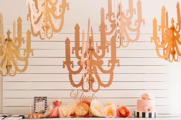 Paper chandelier & tissue paper roses www.karcsipapir.hu