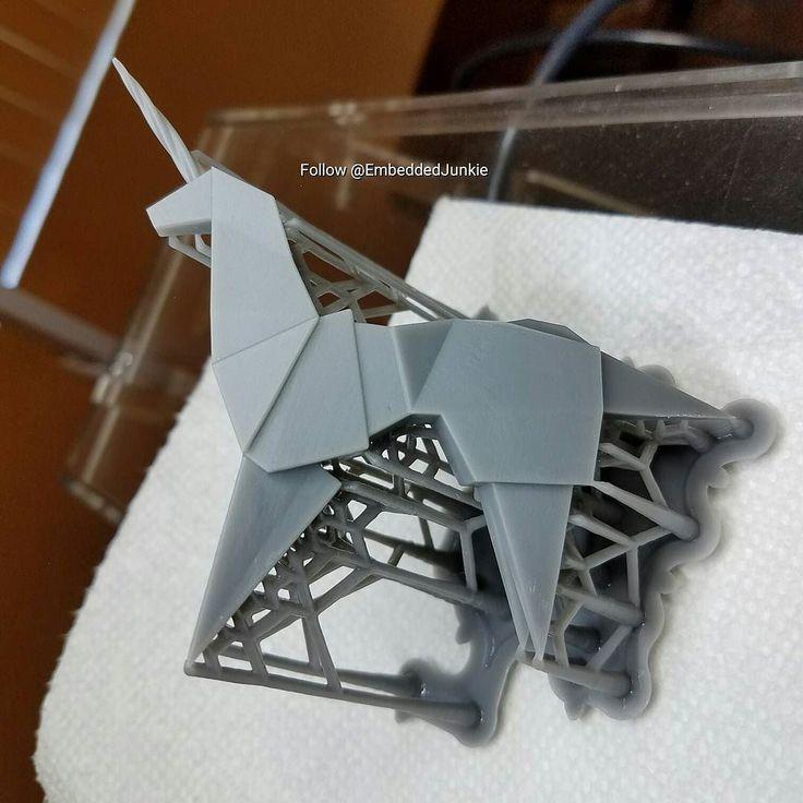 After the ultrasonic bath in 90% IPA. My 3D Printed version of the unicorn origami from the film Blade Runner.  #BladeRunner2049 #BladeRunner #Replicant #Nexus6 #voightkampff #unicorn #TyrellCorporation #tannhausergate #blender3d #Blender #B3D #modeling #3dmodeling #arttoy #arttoys #designertoy #designertoys #customtoy #Toydesign  #customtoys #scifi #3dprinter #3dprinting #3dprint #3dprinted #3dprints #RyanGosling #HarrisonFord
