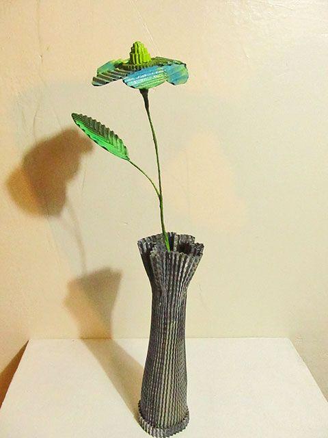 fleur et vase en carton sarreve©2014