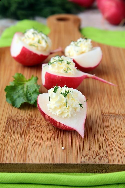 Cheese stuffed radishes for a creamy spicy appetizer or lite lunch starter. / Party Perfect Appetizers and Hor doeuvres recipes - craft-trade.co