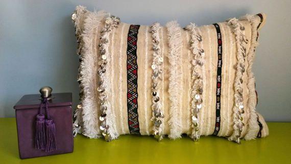 """Housse de Coussin Berbère Handira Vintage - Laine et sequins - Fait main - Par """"VintageSoukCréations"""""""