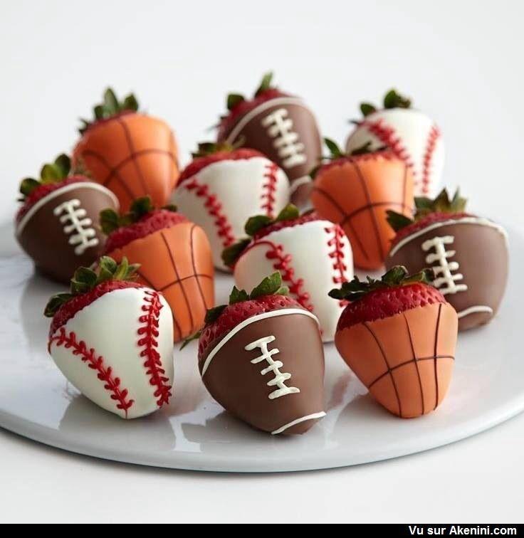 Fraises enrobées de chocolat - Basketball, baseball, football, tennis dipped strawberries                                                                                                                                                                                 Plus