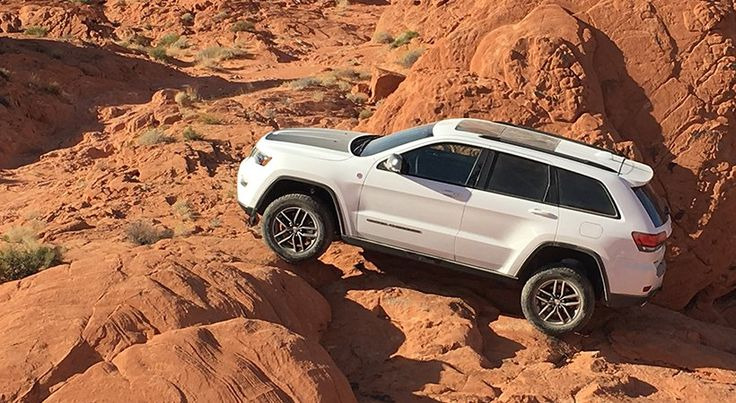 Video Test Drive Jeep Grand Cherokee Trailhawk 2017 - http://autoproyecto.com/2016/11/video-test-drive-jeep-grand-cherokee-trailhawk-2017.html?utm_source=PN&utm_medium=Pinterest+AP&utm_campaign=SNAP