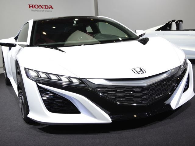 Honda confirms the #Honda Roadster for 2017. the next-gen supercar will come with a 3.5-liter twin-turbo V6 mated to a seven-speed dual-clutch and all-wheel drive system, and a three-motor hybrid system driving the front wheels. Honda hopes to unveil the production NSX at the 2015 Detroit Motor Show. www.WoodWheatonHonda.ca
