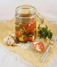 Papryka faszerowana serem fera z czosnkiem i ziołami prowansalskimi