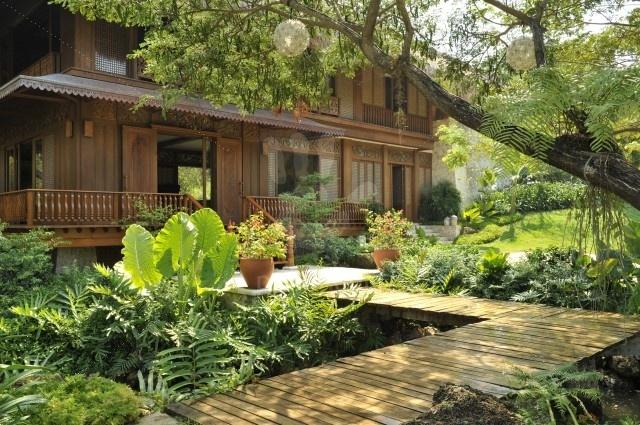 Terrasse et maison en bois