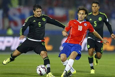 En un partido electrizante, Chile y México empataron 3 a 3. June 15, 2015.