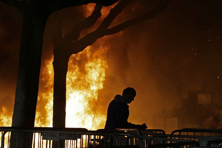 2/1/17 Rioters wreaked havoc Wednesday night on the University of California, Berkeley, campus over a planned speech by Breitbart News editor Milo Yiannopoulos, destroying a Starbucks, breaking windows an…