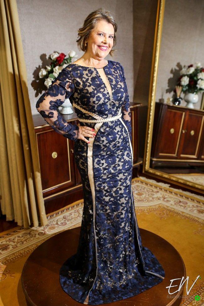 Cinderela Noivas investe em coleção para mães de noivas