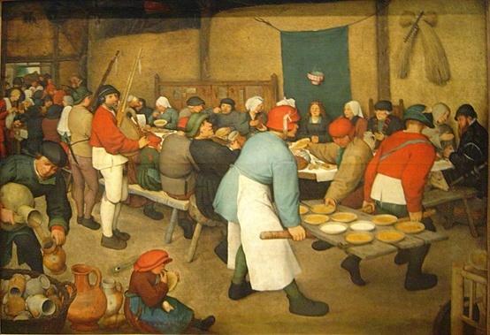 밥과술 : 명화(名畵)에 담긴 음식먹는 모습들  브뤼겔 집안은 대대로 내려오며 아들, 손자까지 화가를 직업삼았다. 작가는 Pieter Bruegel(Older) . 우리에게 '바벨탑'이라는 작품도 잘 알려져있는데 그의 백미는 서민들의 살아가는 모습을 그린 데에 있는것같다. 하긴 그의 별명이 '농민 브뤼겔'이기도 하다. 아래 작품의 제목은 번역에 따라 '농민의 결혼식(Peasant Wedding)'이라고 불리기도 하고, '마을의 결혼식 (village wedding feast)'이라고 불리는 1567년 작품이라고 한다.음식을 나르는 사람의 스텝이나, 잽싸게 음식접시를 집는 손님의 모습등이 순간 카메라로 포착한 듯한 그림인데, 장소는 창고 같다. 곡식 걸어놓은 것도 그렇고. 땅바닥에 주저앉아 빵을 뜯어먹는 어린아이, 그 옆에서 술을 작은 용기로 옮겨 붓는 사람, 뻘쭘한 것 같은 악사들...그리고 죽이나 스프같은 음식 참 생생하다.