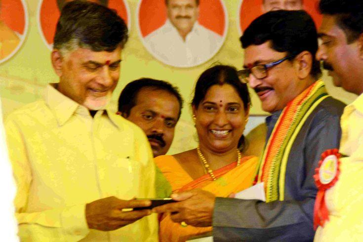 Murali mohan maganti - Political leader andhra pradesh from telugu desam party. Present member of parliament rajahmundry in east godavari, andhra pradesh.