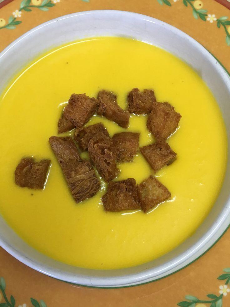 Crema de calabaza con curry. Receta completa en el blog unsuenodulce.blogspotcom.es