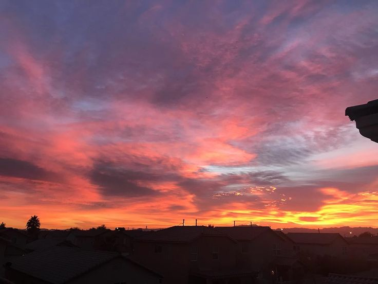 Beautiful sunset tonight! One of the mane reasons I love Vegas!  #sunset #beautiful #loveit #lasvegas #sagittarius