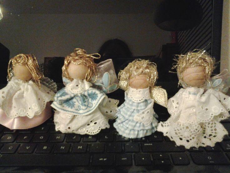 mani di rana: Buon anno con gli angeli di Viviana!