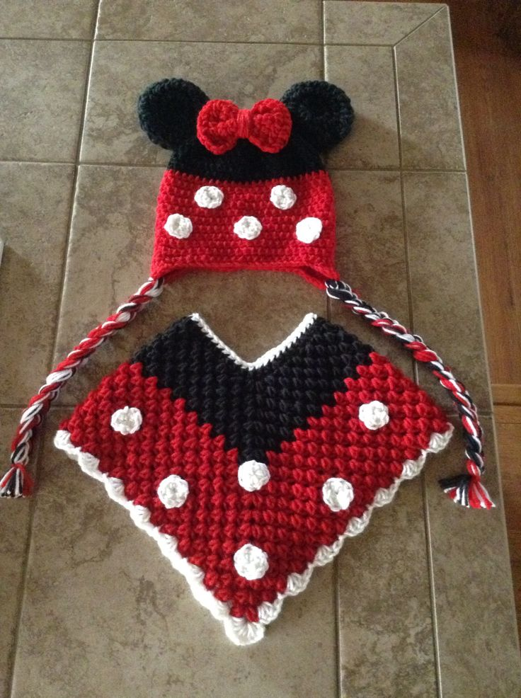 Minnie Mouse hat & poncho set I made... Www.etsy.com/tammyjomadeit