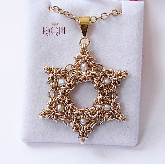 Gold Star of David pendant necklace Jerusalem by Raquelchelouche #chainmaille #jewelry-making