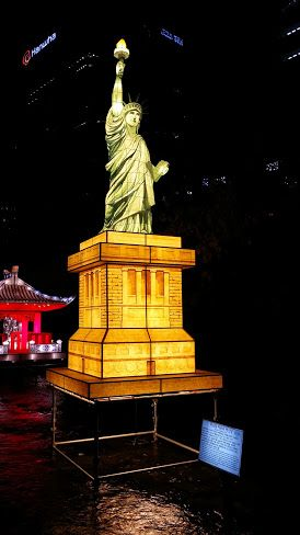 The good ol' Statue of Liberty at the Seoul Lantern Festival 2014.