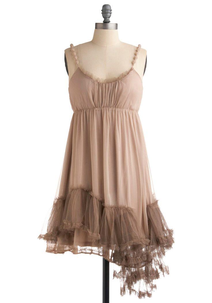 mod cloth - looks like an old hollywood starlet's boudoir piece...