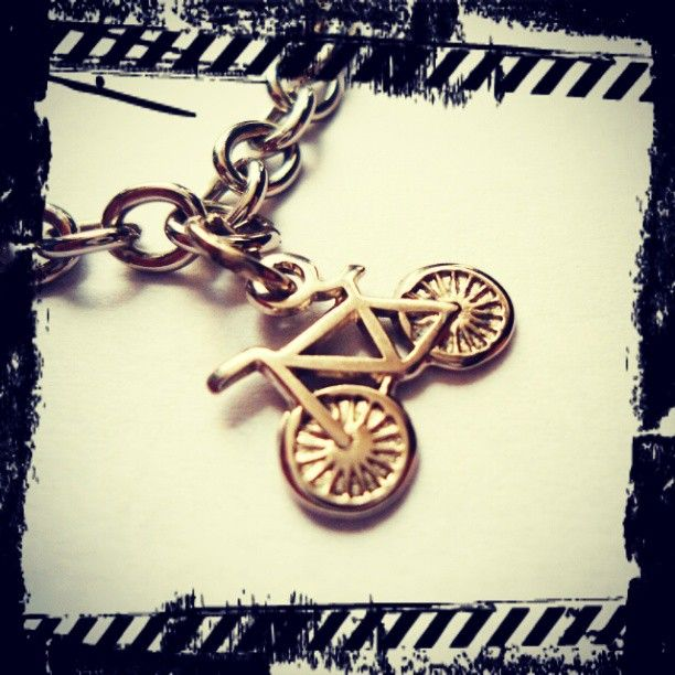 Pulsera Bicicleta https://www.facebook.com/AccesoriosUv